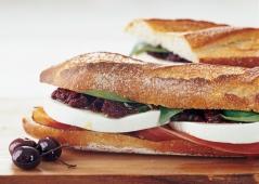 Mozzarella and Prosciutto Sandwich
