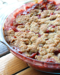 Andrew Zimmern's Strawberry-Rhubarb Crumble