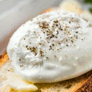 Poached Eggs by Bachelor Kitchen Photo: BK