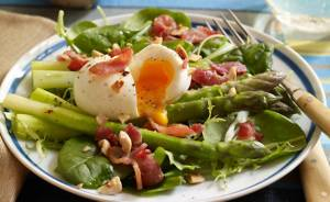 Bacon, Egg and Asparagus Salad