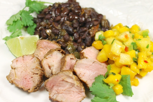 Spice Rubbed Pork Tenderloin With Mango Pineapple Relish