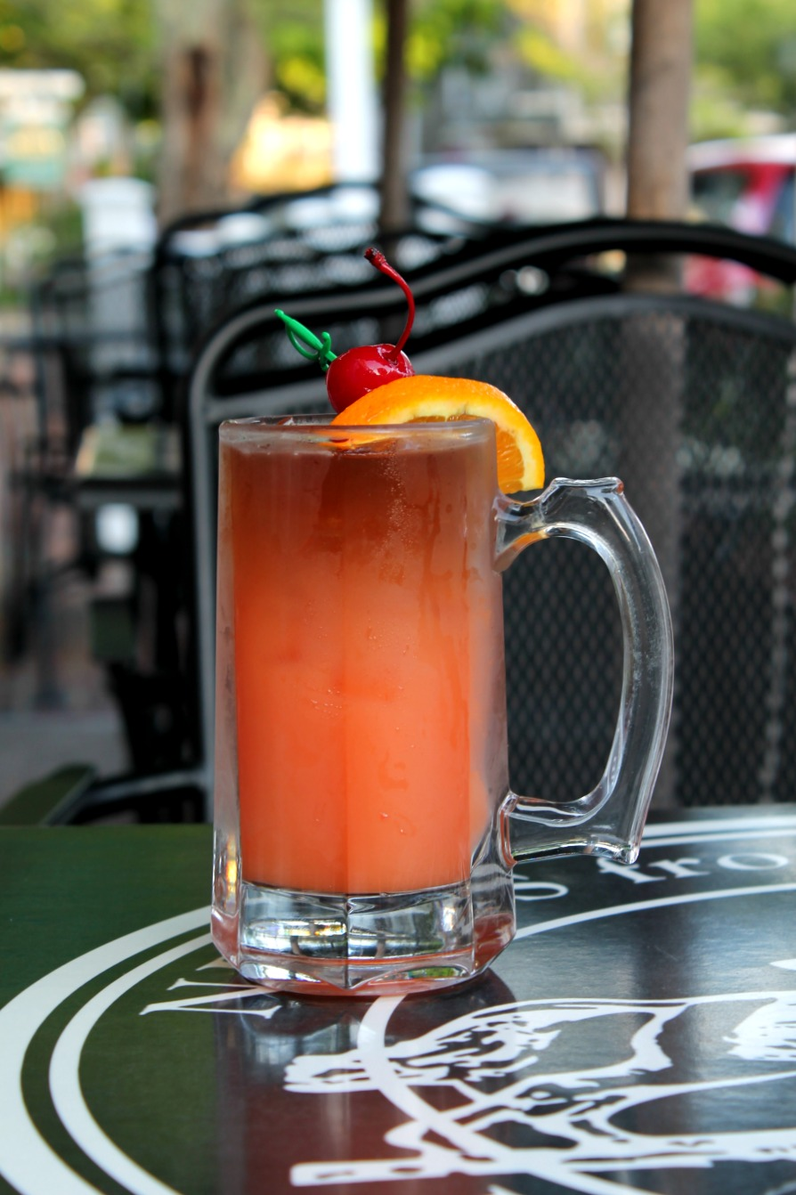 Planter's Punch at The Newes from America Pub at Kelley House