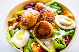 seared scallops salad edited v