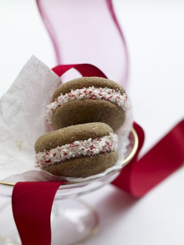 gingerbread-whoopie-pies-with-lemon-creme