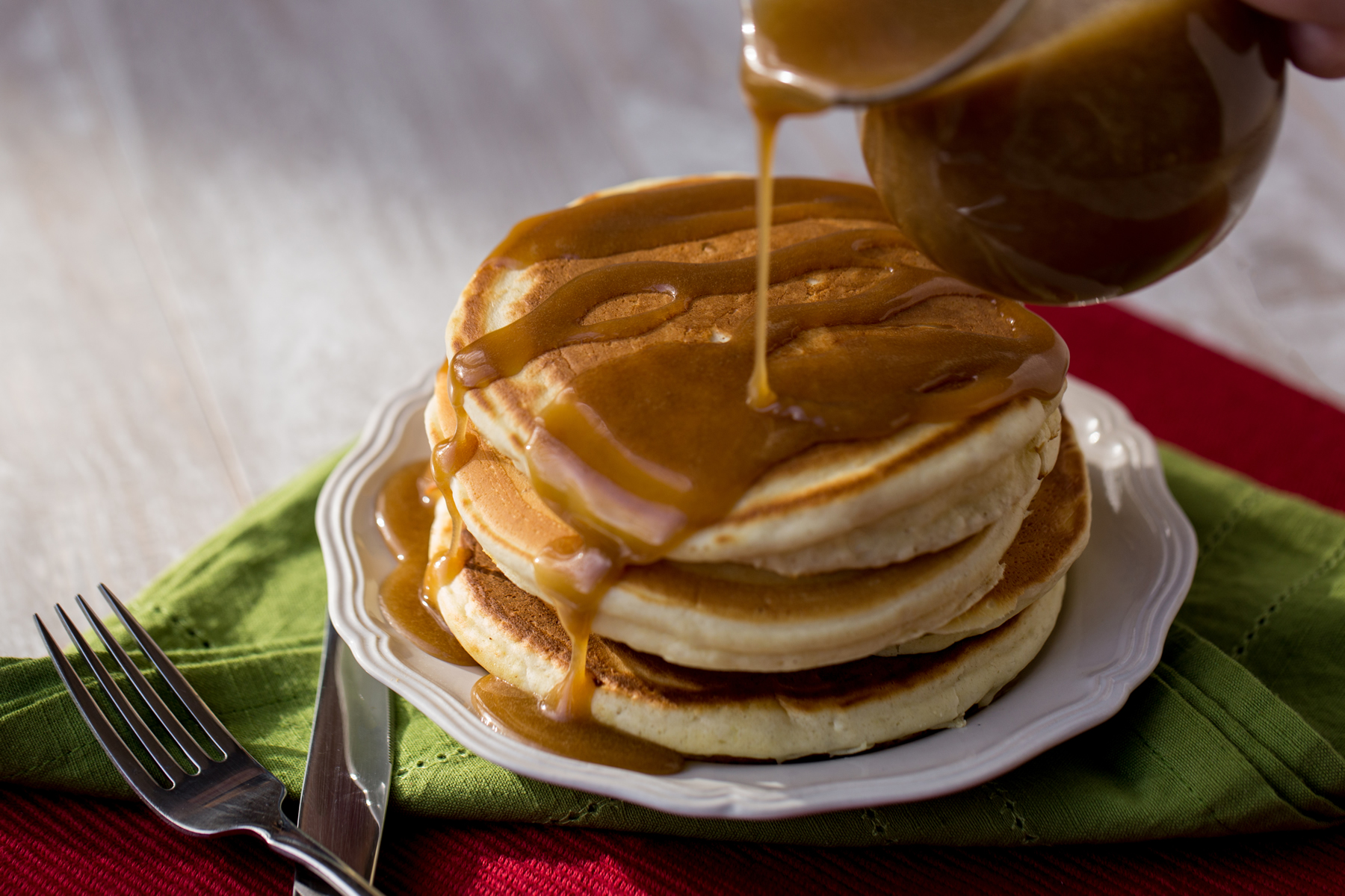 hot-buttered-rum-sauce-on-pancakes