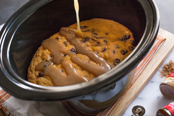 slow-cooker-sticky-toffee-pumpkin-cake-with-caramel-sauce