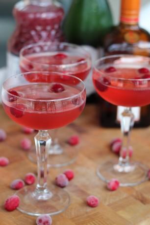 cranberry-orange-champagne-cocktail