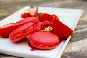 Raspberry Macaroons1